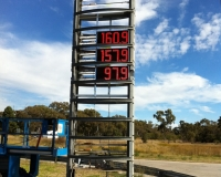 Shell Pylon Signs Narrabri Install LED Price Board