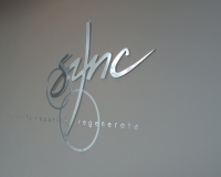 Sync 3D reception sign